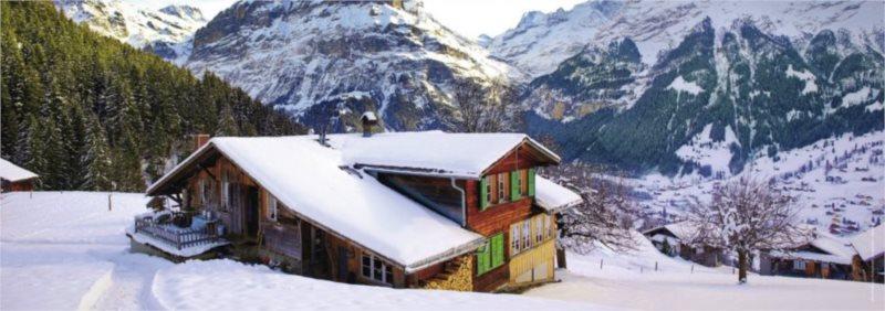 RAVENSBURGER Panoramatické puzzle Horská chata v Alpách 500 dílků