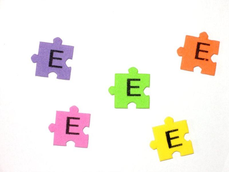 Pěnové puzzle písmenko E (2ks)