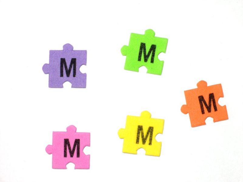 Pěnové puzzle písmenko M (2ks)