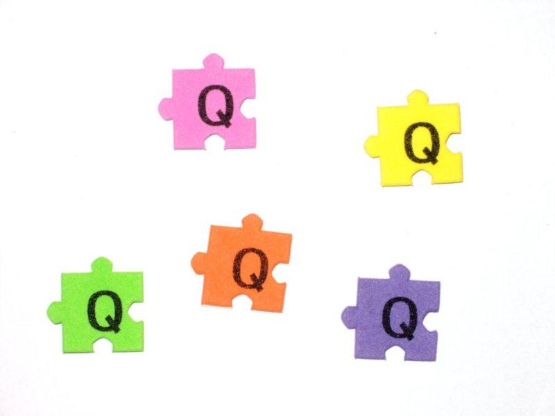 Pěnové puzzle písmenko Q (2ks)