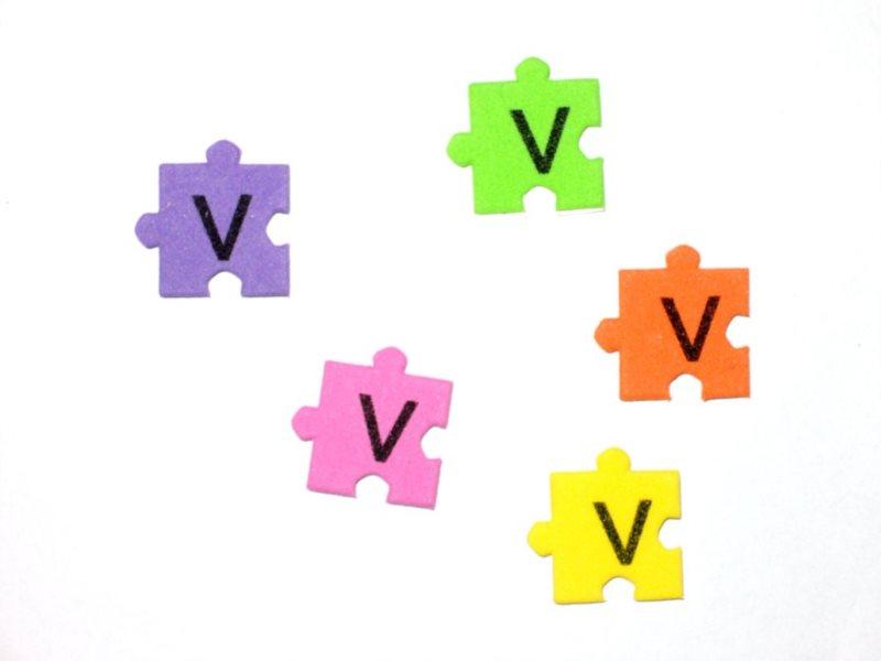 Pěnové puzzle písmenko V (2ks)