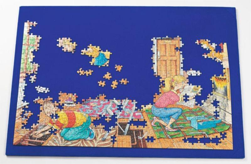 RAVENSBURGER Pevná podložka pod puzzle 76 x 54 cm