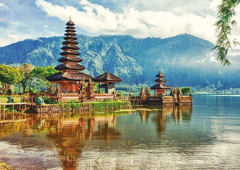EDUCA Puzzle Chrám Ulun Danu, Bali 2000 dílků