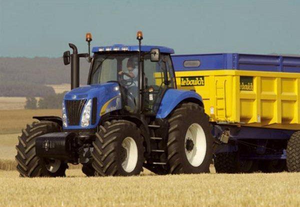 CLEMENTONI Puzzle Traktor New Holland 250 dílků