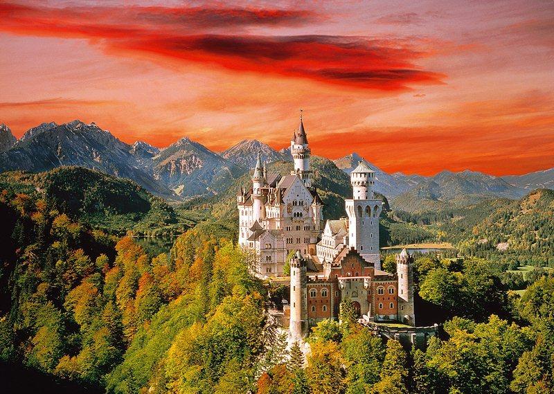 Puzzle TREFL 2000 dílků - Zámek Neuschwanstein, Bavorsko
